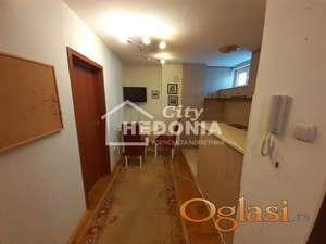 Funkcionalan noviji dvosoban stan kod Vukovog spomenika ID#6693