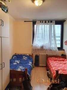 Na prodaju trosoban stan u Milana Stanivukovica