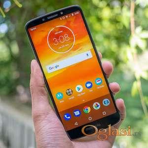 """Motorola Moto e5 Play 5.3"""", otisak prsta, +sa dopunjenom memorijom sa Micro SD memorijskom karticom 8GB (ili 64GB ili 256GB - po izboru)"""
