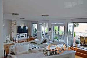 Izdavanje 5.0 stana sa garažom, duplex penthouse