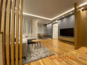 Izdavanje - Trosoban lux stan u novogradnji,garaza