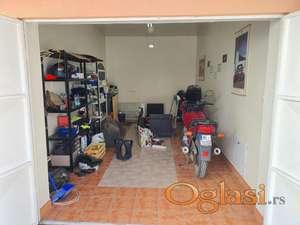 Centar,Vase Stajića,luksuzna garaža 80e