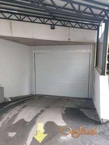 Izdaje  se 36 parking mesta u garazi kod kafica pauza,svako parking mesto je 100 eura
