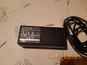 Adapter 5V-12V 5V 3A 15W, 4.0/1.7mm SQS15W5P-10 za Toshibu