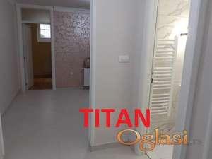Renoviran stan u mirnoj ulici ID#4338