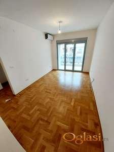 Prodaje se jednosoban stan sa parking mjestom , Rozino, Budva