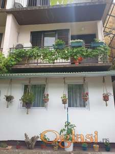 Spratna kuća u Rakovcu, lepa lokacija, 29.000 eura