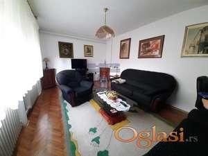 Prizemna kuća na Somborskom Bulevaru! Top ponuda!