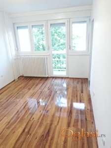 Prodaje se kompletno renoviran odmah useljiv stan!