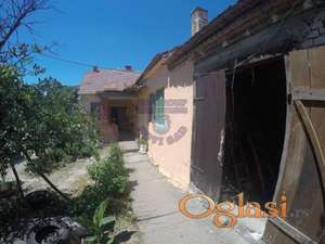 Uknjizena,prizemna kuća,Irig