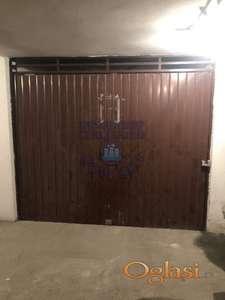 Odlična garaža kod Centra