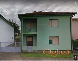 Spratna kuća sa dva zasebna stana