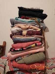Polovna odeća paket (oko 40-tak komada)