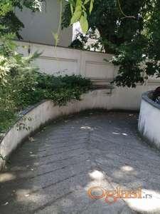 garaža u ulici Petra Drapšina