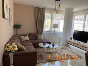 Luksuzan dvosoban stan sa garažom-165.000€
