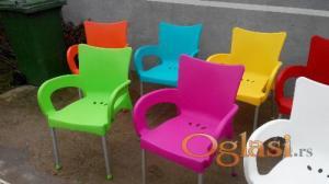 stolice za lokale kuce baste plasticne u bojama