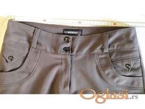 Nove pantalone br. 38