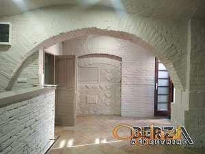 IZDAVANJE LOKALA  PETROVARADIN  GRADI Izdaje se prazan kompletno renoviran lokal u Gradiu na Petrovaradinu Lokal ima 2 WC a ank ostavu