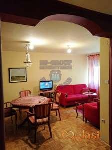 Odličan troiposoban stan u Petrovaradinu.