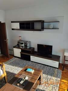 Izdajem apartman u Herceg Novom