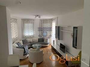 Odličan stan sa idealnim rasporedom