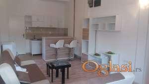 Stan 35 m2 , 160e nov lep namešten