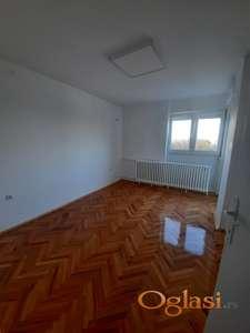 Prodajemo dvosoban stan u centru grada
