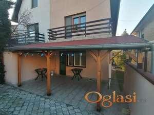Uknjižena dvojna kuća 156m2(za višečlanu porodicu),gas-Sr.Kamenica