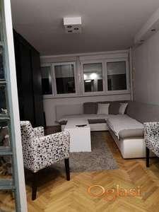 Izdajem stan u centru Kragujevca, kod Rode