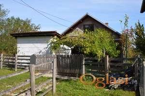 Kuća od 110m2 i 4,5 ari placa na Zlataru, Aranđelovac