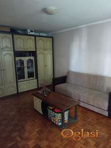 Odličan namešten dvosoban stan, vlasnik