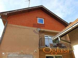 Novo u ponudi, Spratna kuća u centru Sremske Kamenice!!!