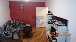 Odlican dvoiposoban stan na Bulevaru!!!021/662-0001