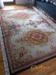 Na prodaju Sintelonov tepih - kao nov!