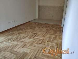 Jednosoban stan u novoj zgradi u Bečićima blizu mora-81.200€