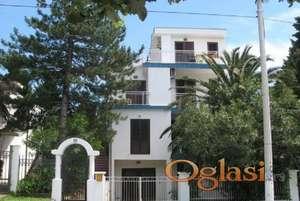 Sutomore-prodajem vilu Gajic sa 8 apartmana i studija