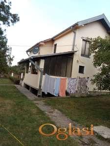 Prodajem kucu u Hajducici od cigle