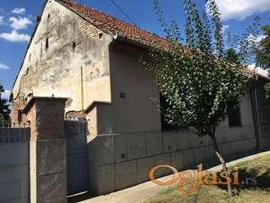 Prodajem staru kuću sa zemljištem u Kikindi