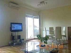 Izdavanje stanova Beograd- Vračar- Dvosoban lux stan sa garažom
