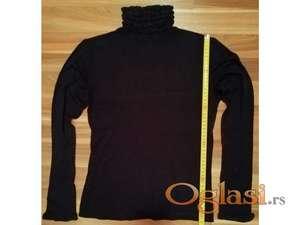 Nova crna bluza sa rolkom