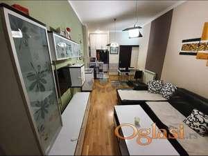 Dvosoban stan na Bulevaru! 021/632-2111