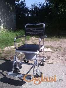 Toaletna invalidska kolica