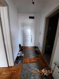 Prodajemo dvosoban stan na Kosturnici!