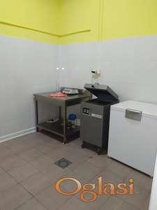 Poslovni objekat - prerada mesa , magacin , poslovna zgrada , plac , 550 m2 + 5600 m2