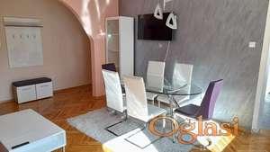 Izdajem komforan,potpuno renoviran stan,53kvm