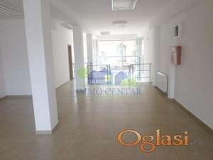 Novi Sad, Centar - Višenamenski ulični lokal u blizini pešačke zone ID#9132650