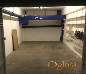YU biznis centar, 26 m2 GARAZA, Bul. M. Pupina
