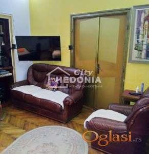 Komforan troiposoban salonac u Birčaninovoj ulici ID#6735