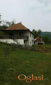 Prodajem seosko domacinsto u  u Buaru