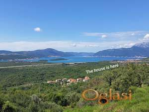 Kuća sa četiri zasebna stana izmedu Kotora i Tivta